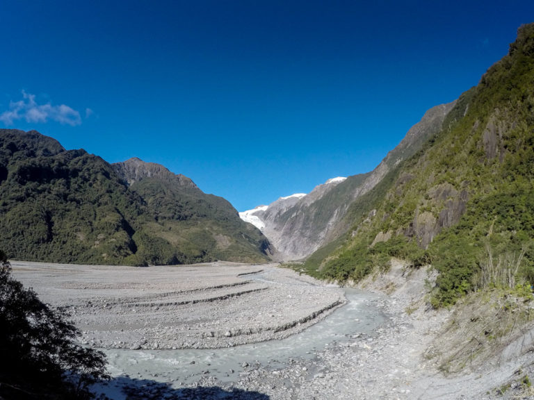 Observation point to take photos on the way to Franz Josef Glacier
