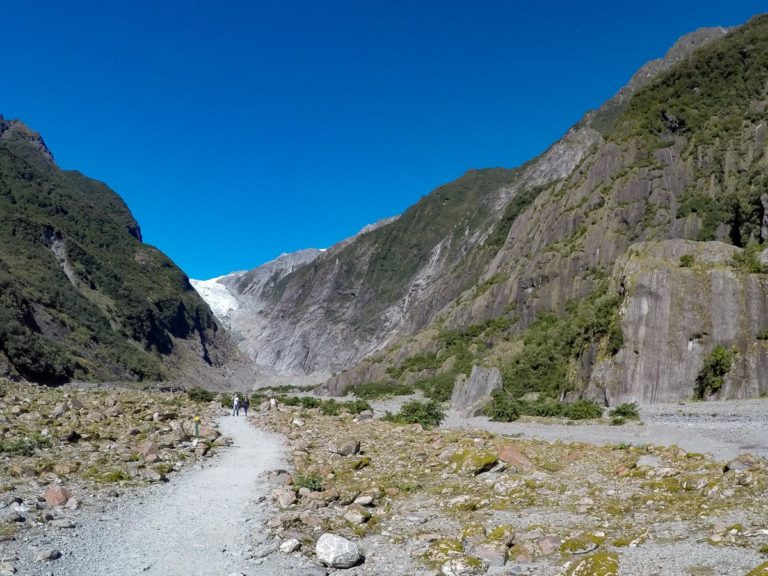 Waiho Riverbed walk on your way to the Franz Josef Glacier